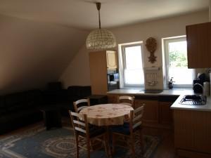 Apartmán 4: kuchyňka + obývací kout